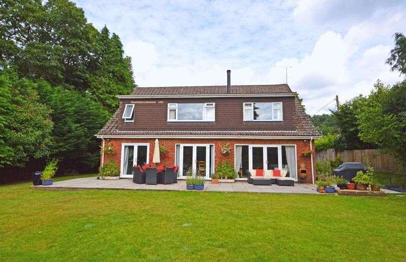 5 Bedrooms Detached House for sale in Grayshott Road, Headley Down