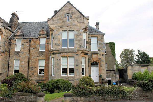 3 Bedrooms Property for sale in Gladstone Place, Stirling