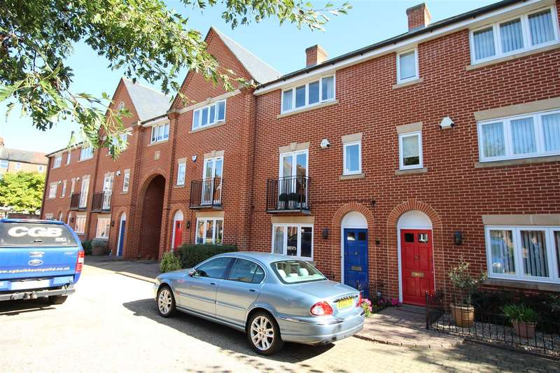 3 Bedrooms House for sale in Devereaux Court, Ipswich