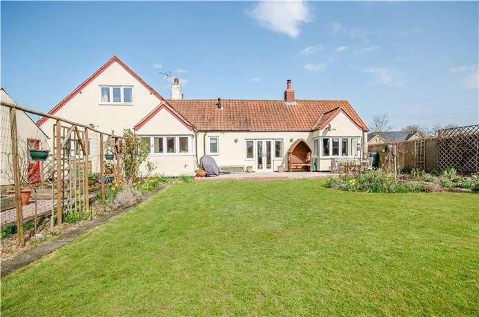 4 Bedrooms Chalet House for sale in London Road, Harston, Cambridge