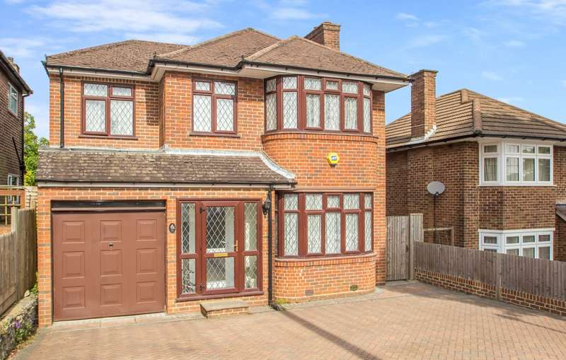 4 Bedrooms Detached House for sale in Derwent Drive, Purley, CR8 1EQ