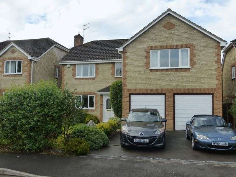 4 Bedrooms Detached House for sale in St. Martins Way, Yeovil