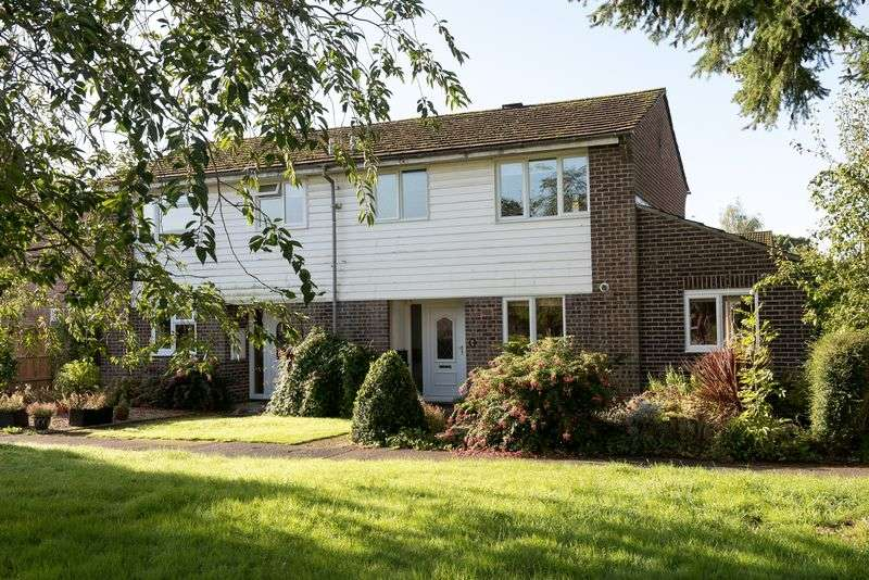 3 Bedrooms Semi Detached House for sale in Whitenap, Nr. Romsey, Southampton