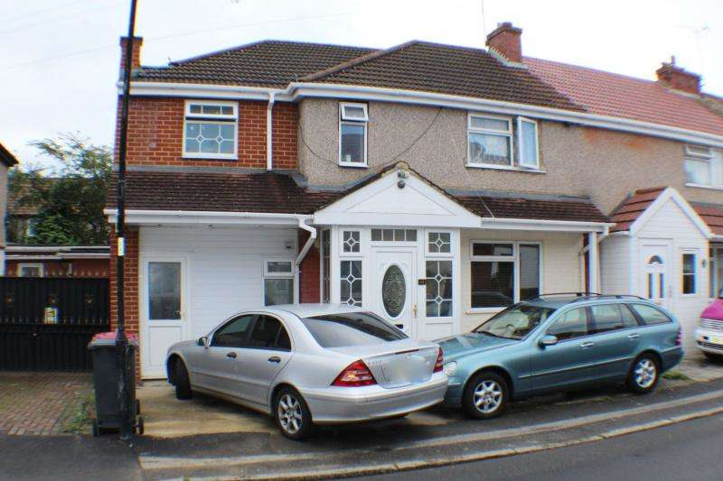 5 Bedrooms Semi Detached House for sale in Myrtle Crescent
