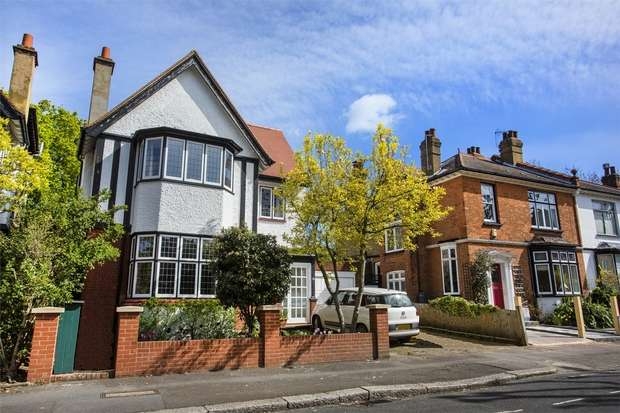 7 Bedrooms Detached House for rent in Heathfield Road, Acton