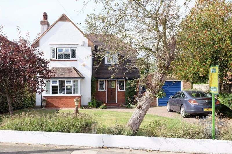 4 Bedrooms Detached House for sale in Wansunt Road, Bexley
