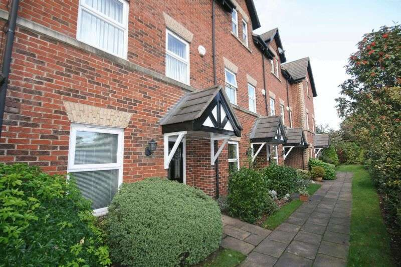 3 Bedrooms Mews House for sale in Farriers Way, Poulton-Le-Fylde