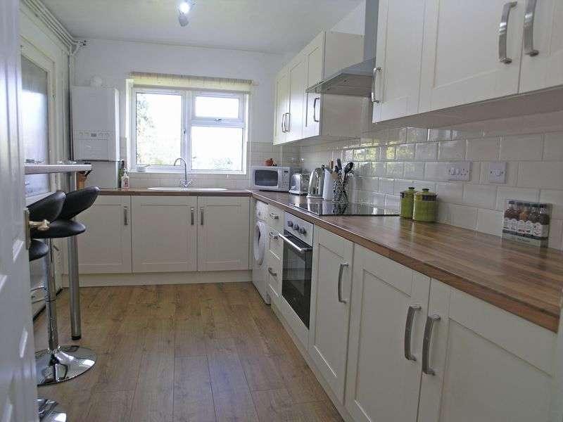 1 Bedroom Flat for sale in STOURBRIDGE, AMBLECOTE, Off Trinity Road, Milton Close