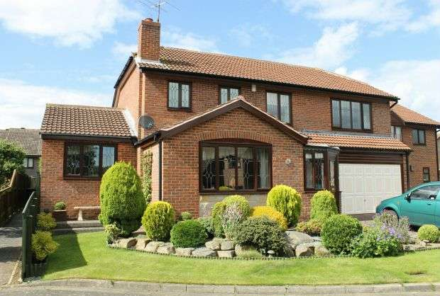 4 Bedrooms Detached House for sale in Redwing Rising, Galley Hill, Guisborough