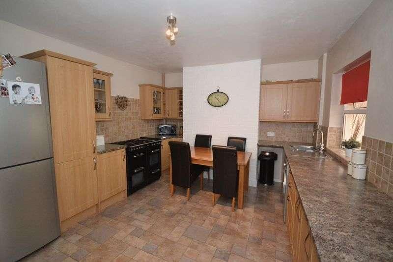 2 Bedrooms Terraced House for sale in Kimberley Road, Kingswood, Bristol