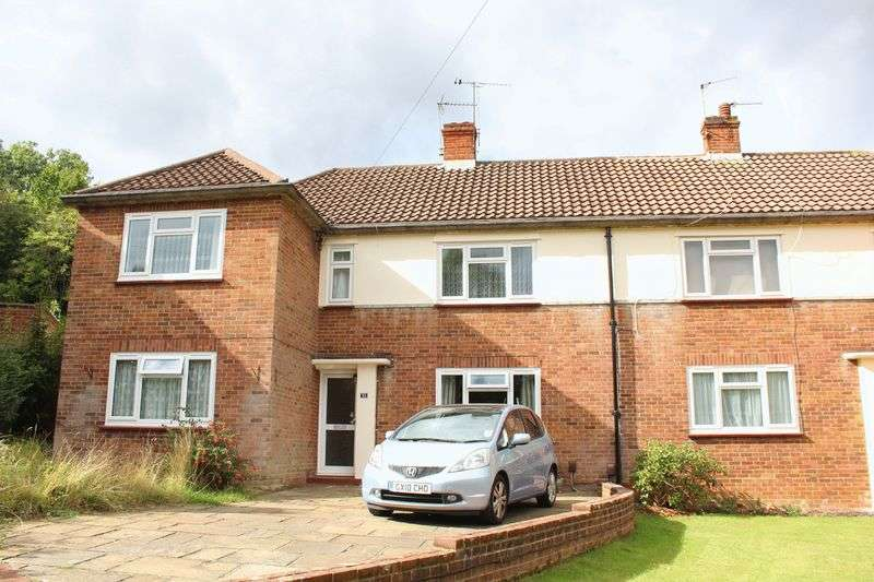 2 Bedrooms Flat for sale in Rydal Close, Purley, Surrey