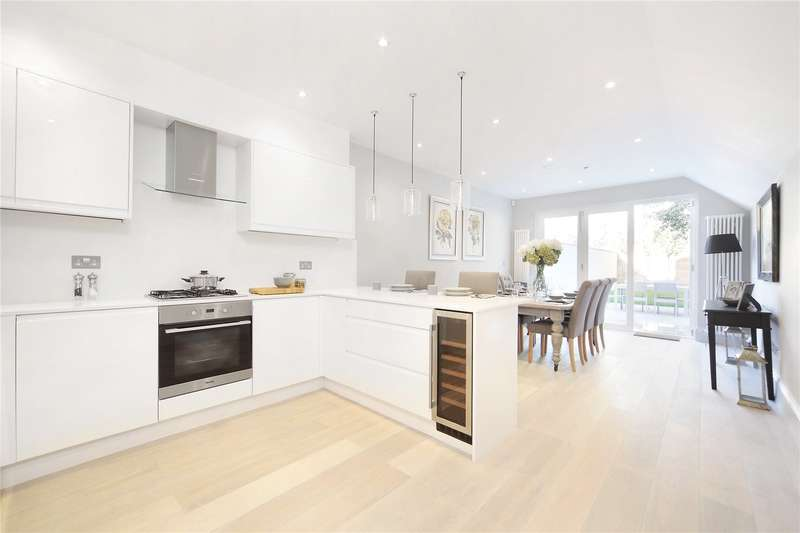 3 Bedrooms House for sale in Endlesham Road, Balham, London, SW12