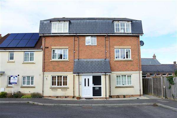 1 Bedroom Apartment Flat for sale in Cresscombe Close, Gillingham