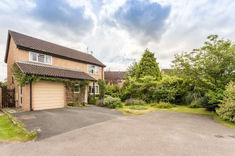 4 Bedrooms Detached House for sale in Leckhampton