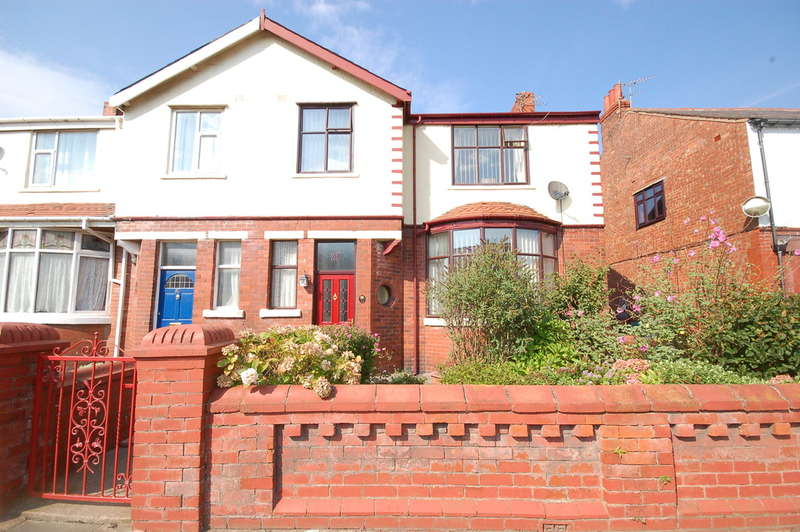 3 Bedrooms End Of Terrace House for sale in Rosebery Avenue, Blackpool