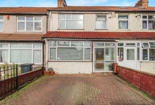 4 Bedrooms Terraced House for sale in Mitcham Road, Croydon