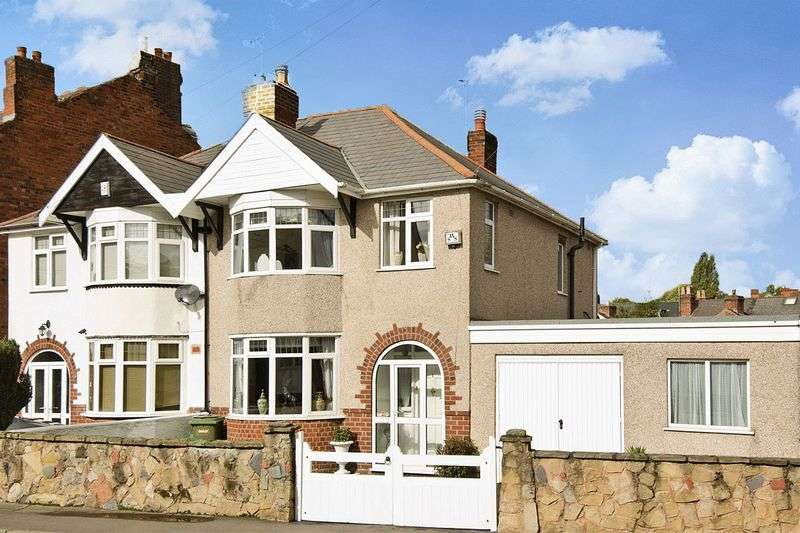 3 Bedrooms Semi Detached House for sale in Clark Road, Wolverhampton