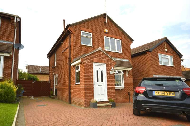 3 Bedrooms Detached House for sale in King George Croft, Morley, Leeds, LS27