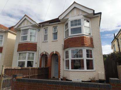 3 Bedrooms Semi Detached House for sale in Frinton-On-Sea, Essex