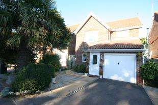 3 Bedrooms Detached House for sale in Penrith Way, Eastbourne, East Sussex