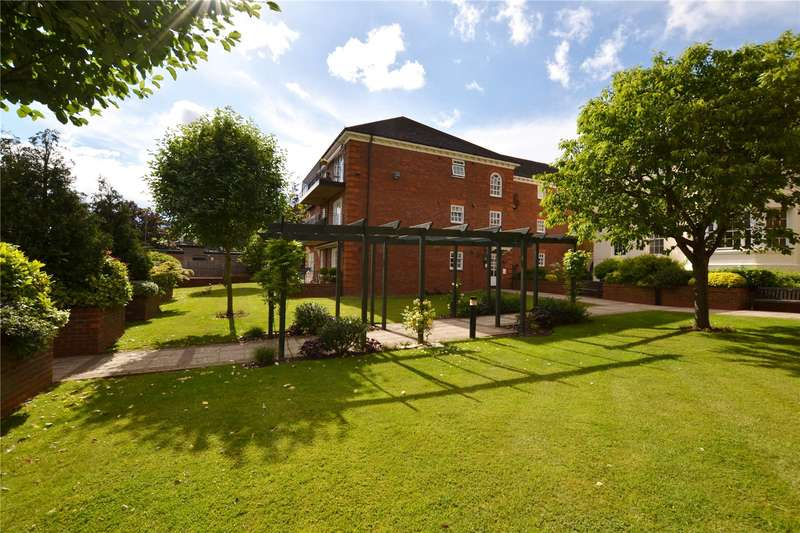 3 Bedrooms Apartment Flat for sale in Cattley Close, Barnet, Hertfordshire, EN5
