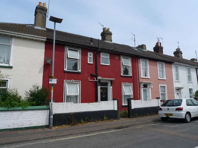3 Bedrooms Terraced House for sale in Albion Road, Great Yarmouth