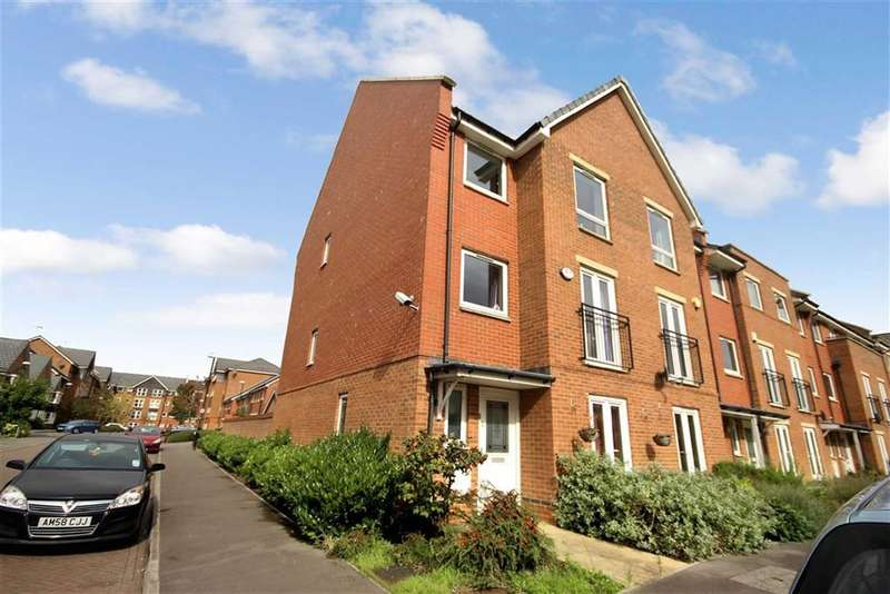 4 Bedrooms Property for sale in Celsus Grove, Okus, Old Town, Swindon