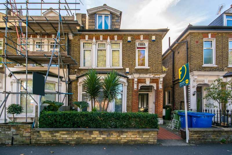 2 Bedrooms Flat for sale in East Dulwich Grove, Dulwich, SE22