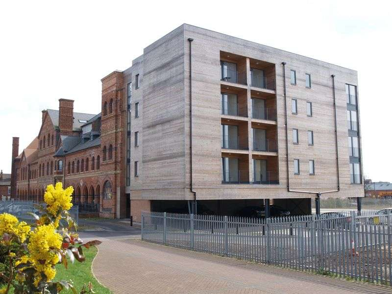 2 Bedrooms Flat for sale in The Roundhead Building, Warwick Brewery, Newark