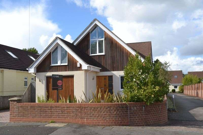 4 Bedrooms Detached House for sale in River Way, Christchurch
