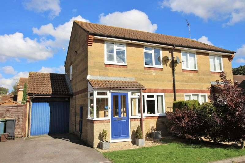 3 Bedrooms Semi Detached House for sale in Ladymeade, Ilminster