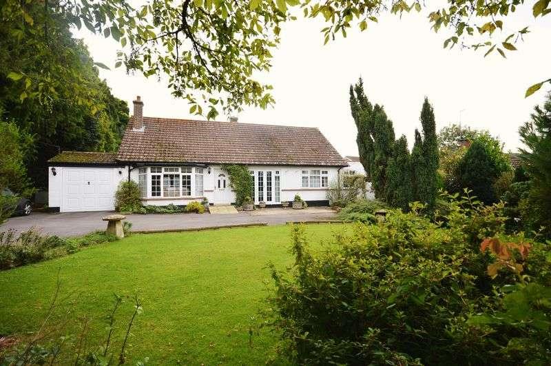 3 Bedrooms Detached Bungalow for sale in Dinton, Bucks
