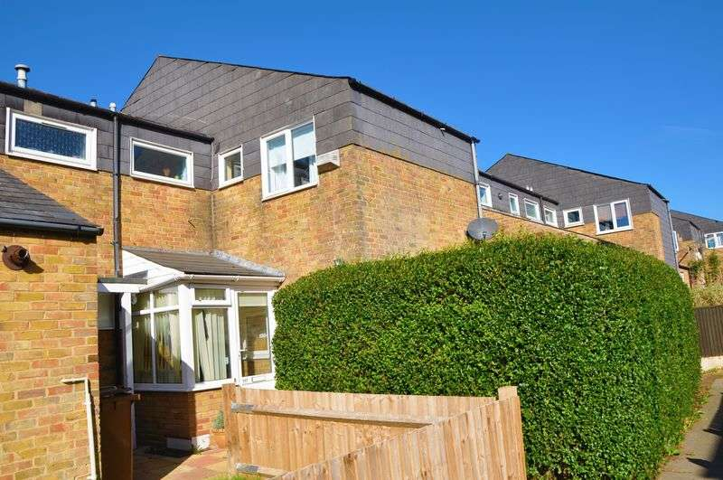 3 Bedrooms House for sale in Genoa Court, Andover