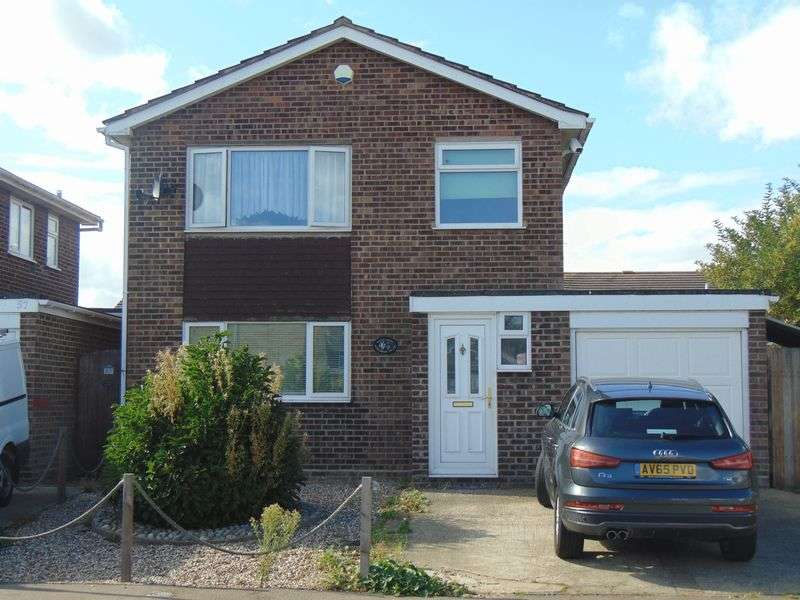 3 Bedrooms Detached House for sale in Kingsman Drive, Clacton-On-Sea