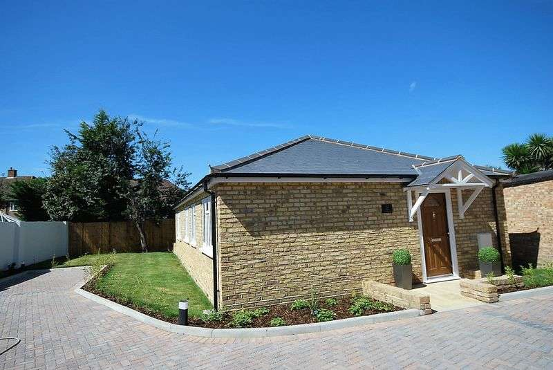 Bungalow for sale in Hook Road, Chessington