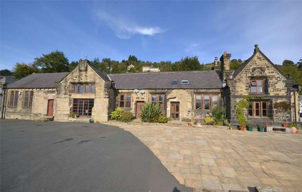 6 Bedrooms Detached House for sale in Crowtrees Road, Slaithwaite, HUDDERSFIELD, West Yorkshire