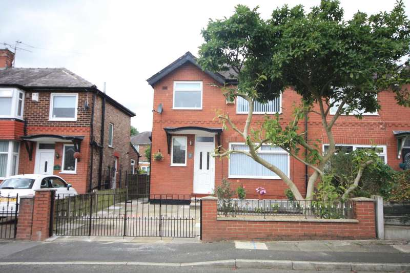 3 Bedrooms Semi Detached House for sale in Willingdon Drive, Manchester