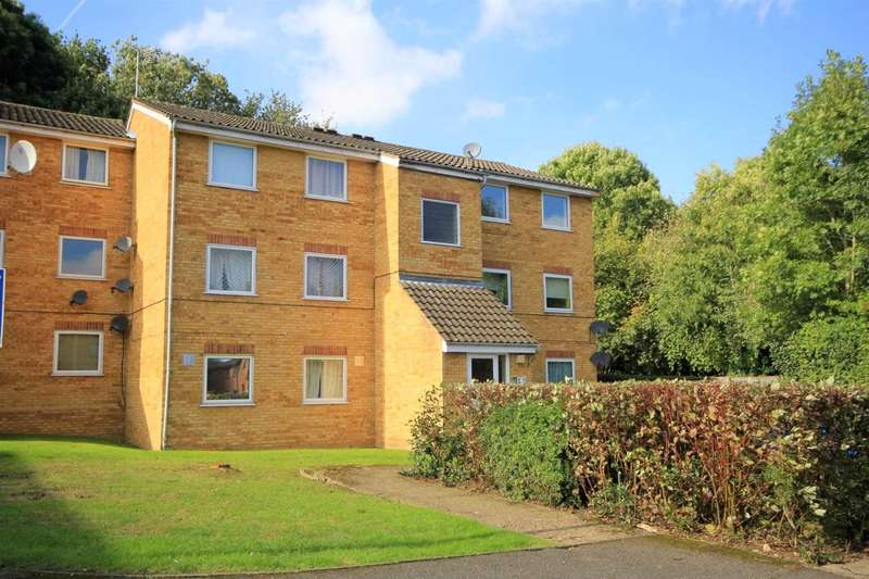 2 Bedrooms Apartment Flat for sale in Valley Green, Hemel Hempstead