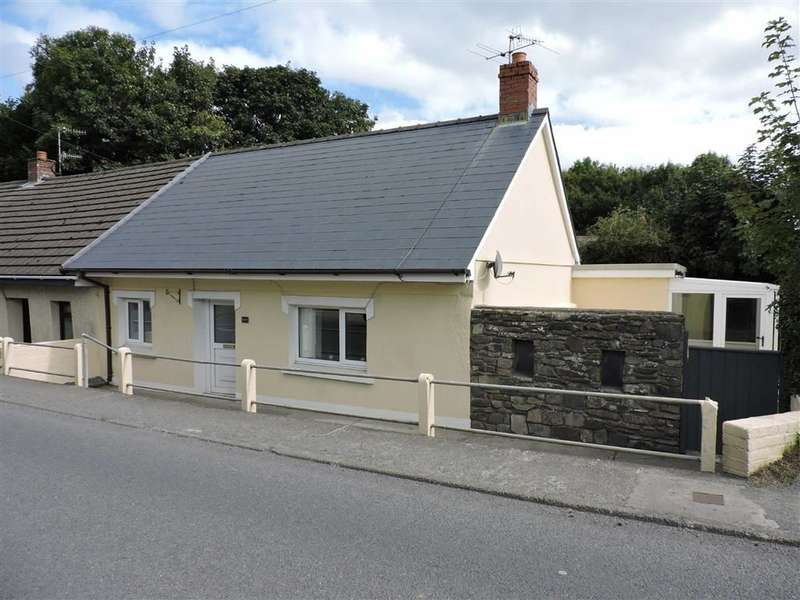 2 Bedrooms Property for sale in Felinfach, Lampeter