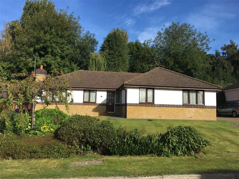 3 Bedrooms Detached Bungalow for sale in Hazelwood Heights, Oxted, RH8