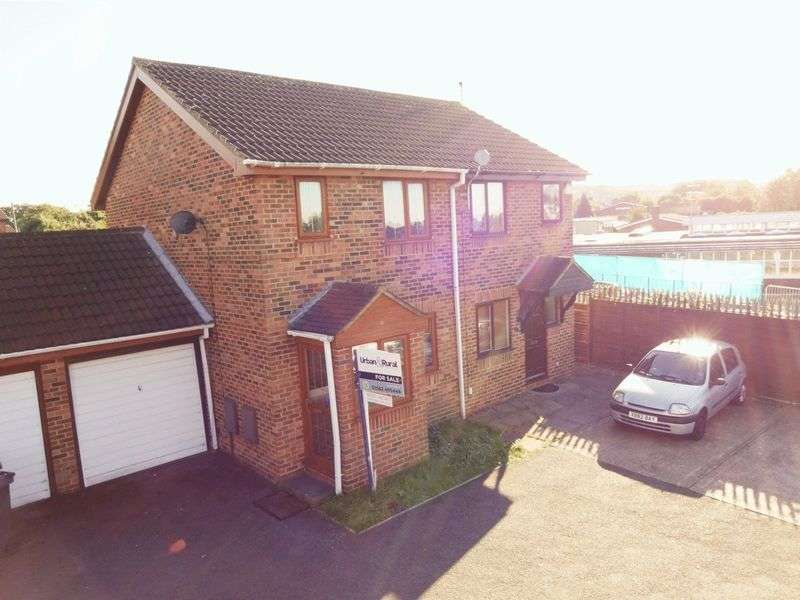2 Bedrooms Semi Detached House for sale in Rudyard Close.