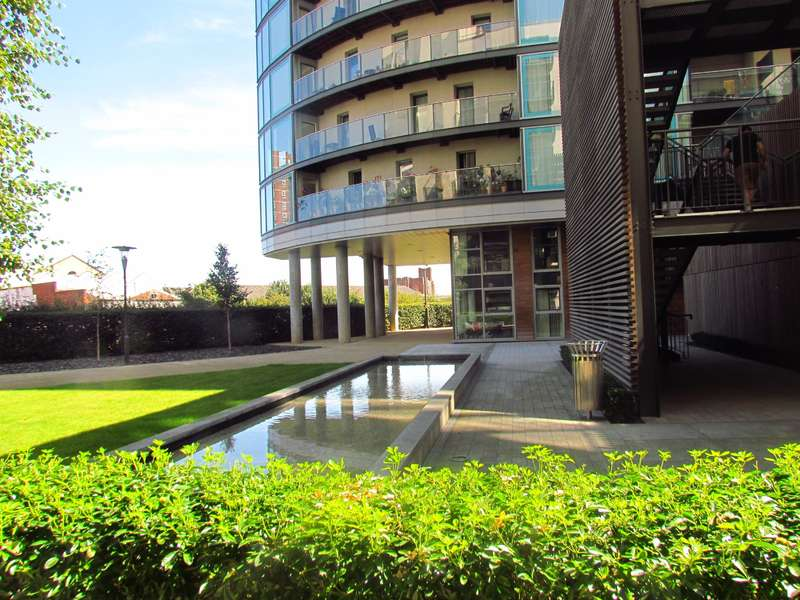 2 Bedrooms Apartment Flat for sale in Navigation Building , Station Approach, Hayes, UB3 4FF