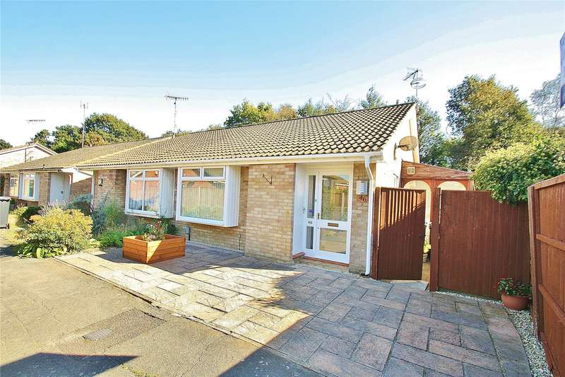 2 Bedrooms Bungalow for sale in Claydon Road, Horsell, Surrey, GU21