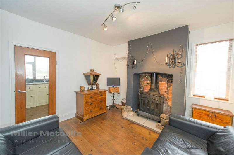 2 Bedrooms Cottage House for sale in Stanworth Terrace, Withnell, Chorley, Lancashire