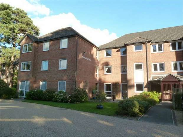2 Bedrooms Flat for sale in Glenmoor Road, West Parley, Ferndown, Dorset