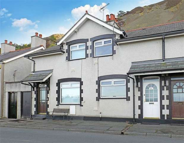 2 Bedrooms Terraced House for sale in Victoria Terrace, Penmaenmawr, Conwy