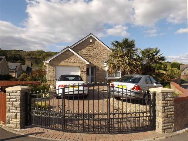 2 Bedrooms Detached Bungalow for sale in Iron Way, Tondu, Bridgend, Mid Glamorgan