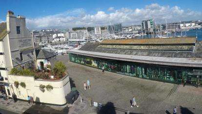 3 Bedrooms Flat for sale in The Barbican, Plymouth, Devon