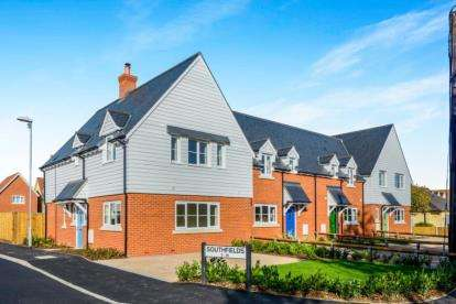 3 Bedrooms Terraced House for sale in Tillingham, Essex