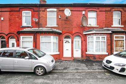 2 Bedrooms Terraced House for sale in Parkfield Avenue, Manchester, Greater Manchester